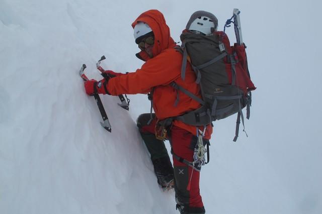 Wir Abstieg kletterten wir beide nebeneinander ab, um uns gegenseitig zu motivieren und uns nicht ständig Schnee und Eis auf den Kopf zu schmeißen.