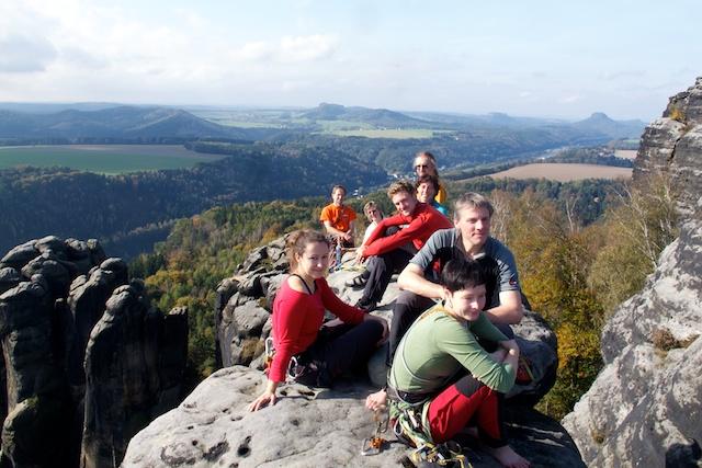 Auf zwei verschiedenen Wegen traf die ganze Gruppe dann auf dem Bergfex zusammen. Besonderen Dank an Christian, der einen Teil meiner Gäste hier hoch geführt hat.
