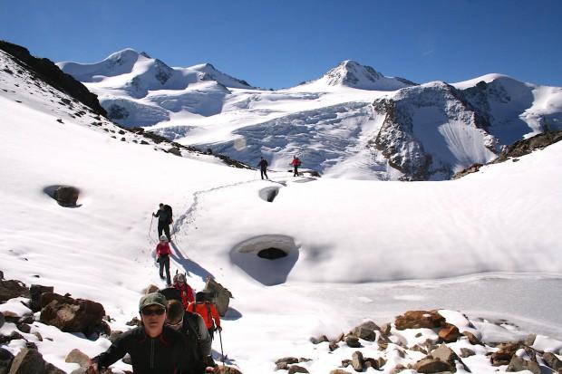 Nichts schweißt ein Team so zusammen, wie eine gemeinsame erfolgreiche Bergtour.
