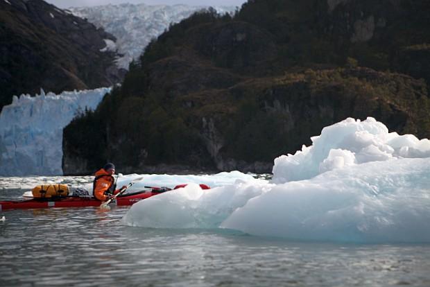 Unsere Erlebnisse im Kajak an den großen Gezeitengletschern im Agostinifjord gehören zu den herausragenden Erle3bnissen nicht nur auf dieser Tour.