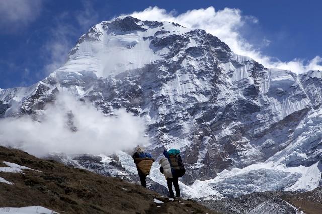 Der 7321 m hohe Chamlang von Westen aus gesehen! Ich stand ihm gerade erst auf meiner Expedition zum Baruntse gegenüber. Ein Traum von einem Berg und eine großartige Herausforderung!