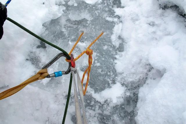 Drei oder vier Eissanduhren waren dort oben in den gefährlichen und steilen Rinnen am Ausstieg sozusagen ein Geschenk des Berges, ohne dass ich es mir niemals getraut hätte, dort zu klettern.