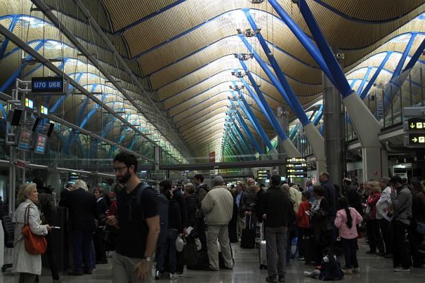 In Madrid könnte man sich mal Ratschläge holen, wie man einen wirklich schönen und funktionellen Flughafen baut.