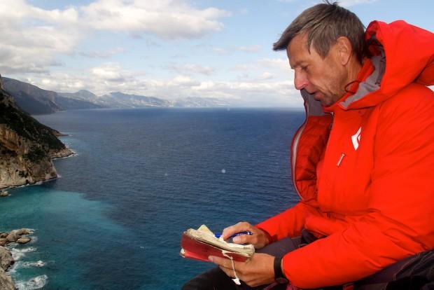 Ich konnte es kaum fassen: Ein Gipfel, auf den kaum zwei Leute passten und dann auch noch ein Gipfelbuch! (Foto: Janina Graeber)