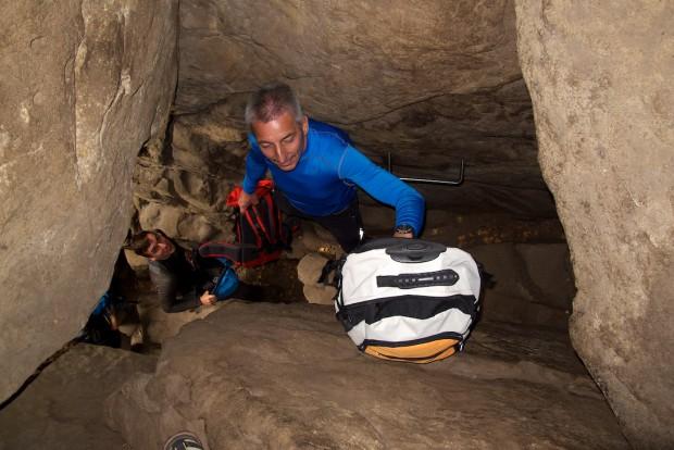"""Die Rübezahlstiege liegt ein bisschen versteckt und ist deshalb nicht ganz so stark frequentiert wie die anderen in den Affensteinen. Aber dafür ist der Durchstieg durch das """"Loch"""" sehr kurios."""