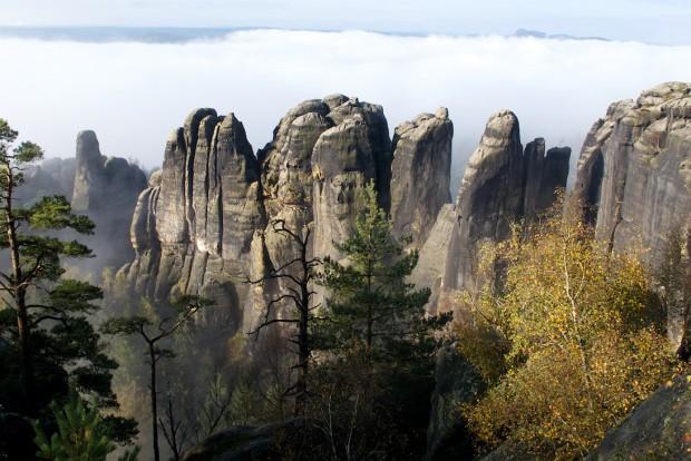 Der Blick von der Tante auf die Schrammsteinkette ist schon einer der ganz besonders eindrucksvollen Bergblicke unseres Elbsandsteingebirges!
