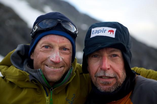 Falk Liebstein (li) und ich unmittelbar nach unserer Rückkehr vom 2. Versuch der Erstbegehung der Südwestwand des Monte Sarmiento.