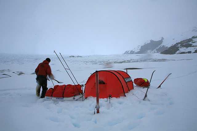 Das erste Camp auf dem Eis